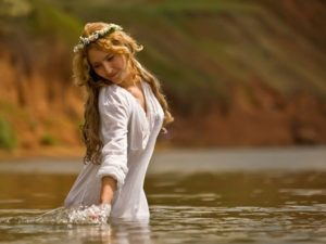 Чистый четверг: когда и как нужно купаться