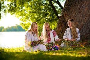 Что нельзя делать на Святую Троицу и почему?