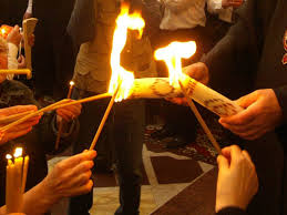 Благодатный огонь на католическую Пасху: сходит или нет, и почему?