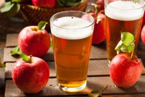 Яблоко и яблочный напиток сидр