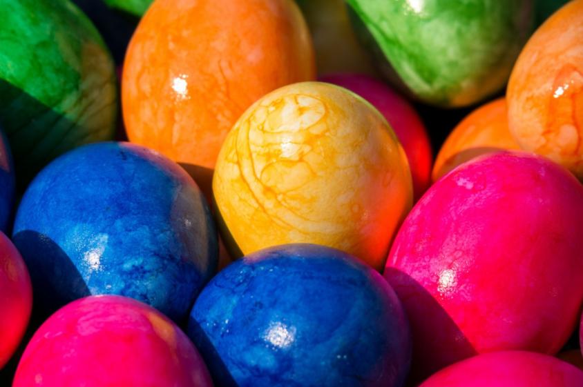 Пасхальные яйца во сне: толкования ко классическим и современным сонникам